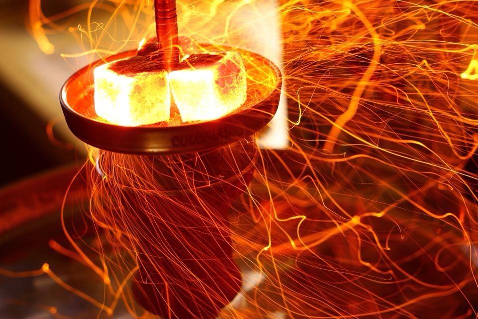 Как разжечь угли для кальяна в домашних  972