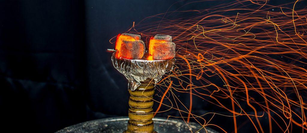 Как правильно разжечь кокосовый, древесный, саморазжигающий уголь в различных условиях
