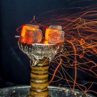 Как разжечь уголь дома и на улице